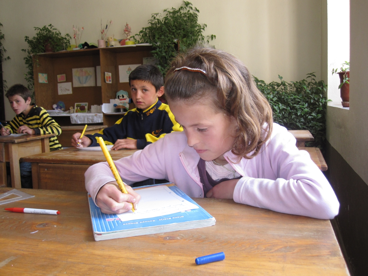 Pupils helping pupils (Albania)